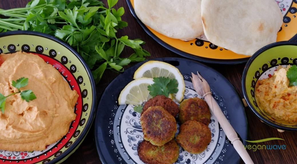 Falafel mit Hummus und Pitabrot