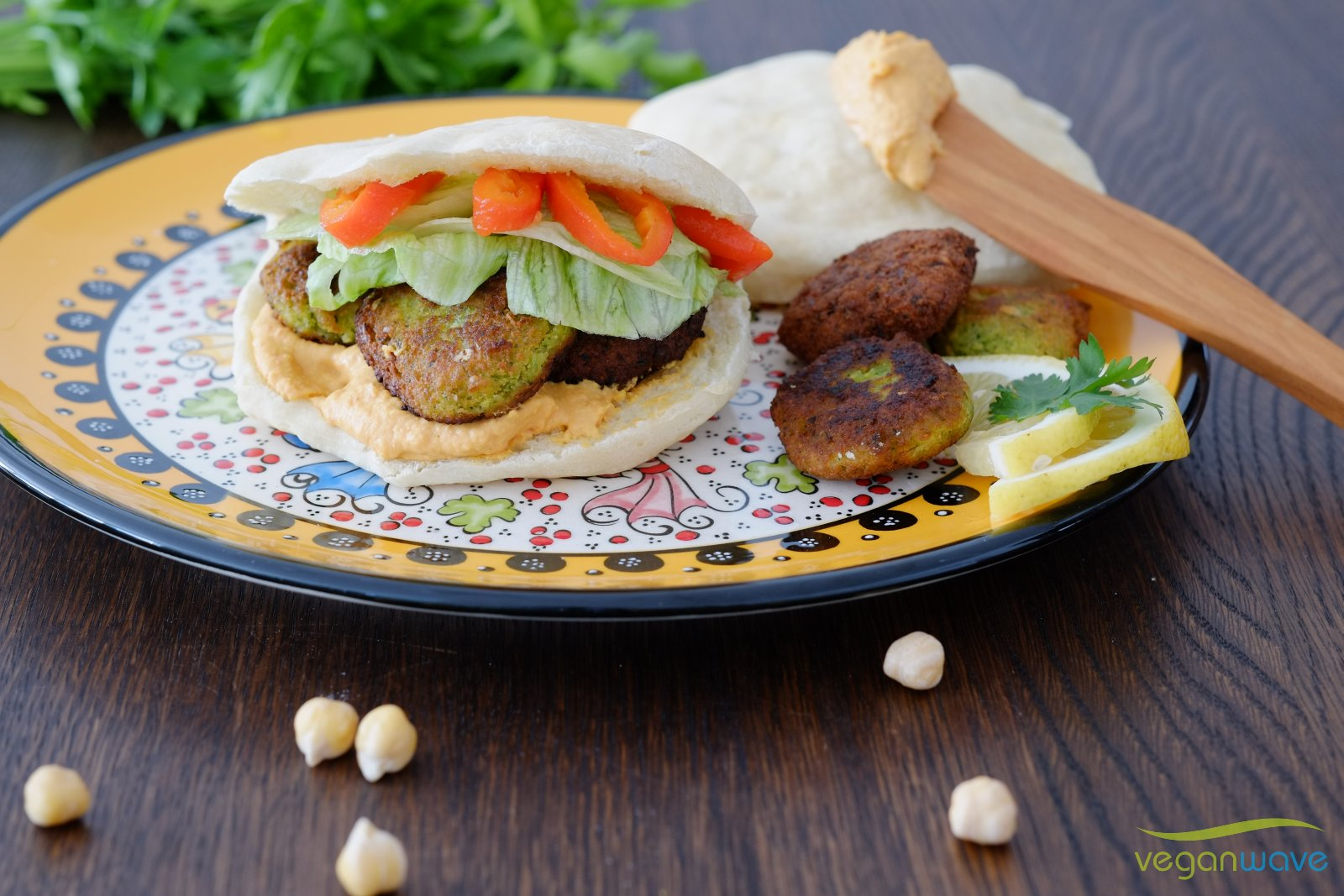 Veganes pikantes Hummus