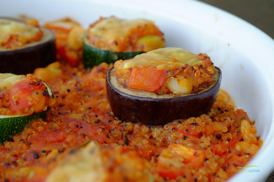 Gefüllte Zucchini und Aubergine mit Quinoa - clean eating