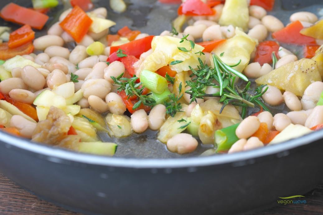 Gefüllte Zucchini und Aubergine mit Quinoa